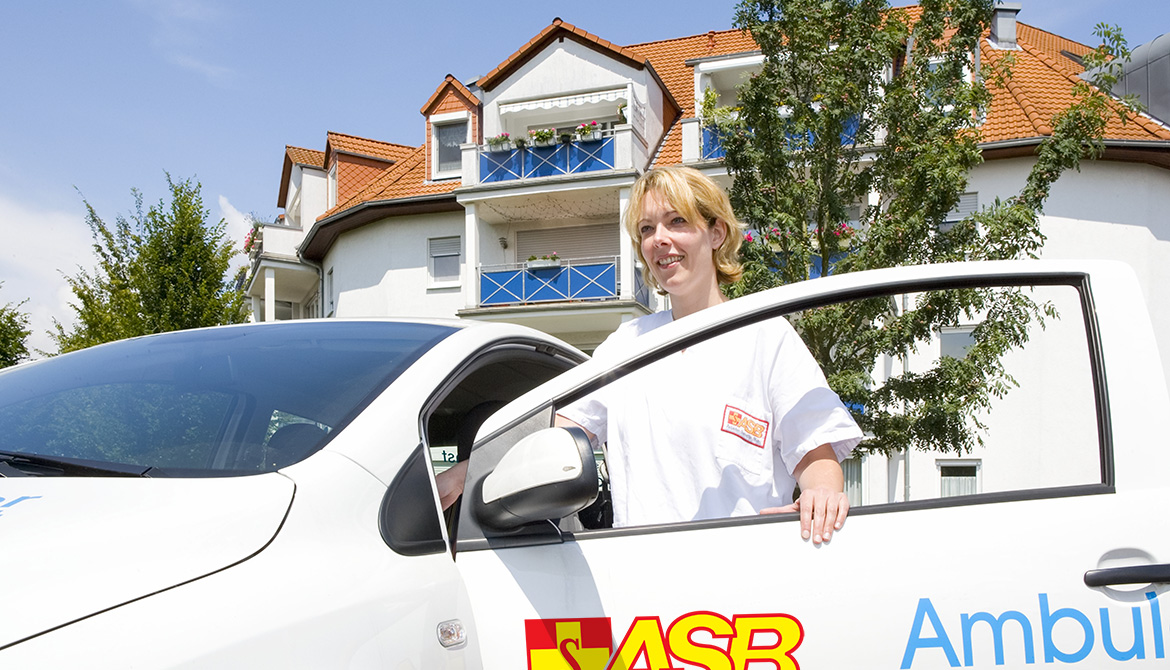 asb_merseburg_ambulanter_pflegedienst_unterwegs.jpg